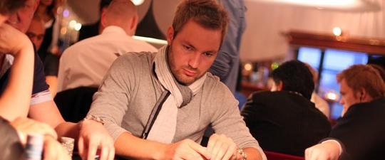 O Thomas Pedersen κερδίζει το WCOOP Main Event
