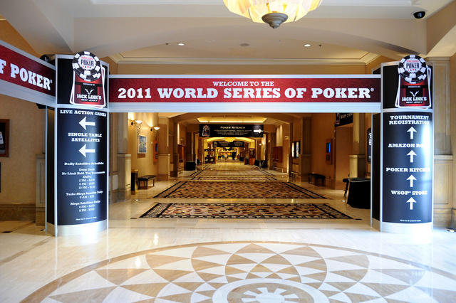 aaaaaMain_corridor_into_the_WSOP_will_be_filled_with_players_and_fans_for_the_next_7_weeks